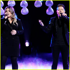 VIDEO: Kelly Clarkson & Billy Gilman Sing 'It's Quiet Uptown' Together on 'The Voice' Finale!