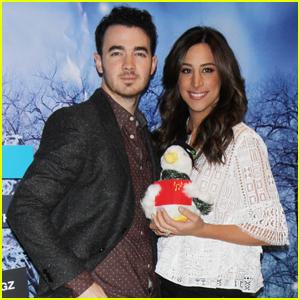 Kevin & Danielle Jonas Celebrate Their Seven Year Anniversary!