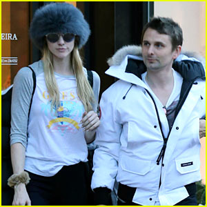 Matt Bellamy & Girlfriend Elle Evans Arrive in Aspen to Celebrate the Holidays with Family!