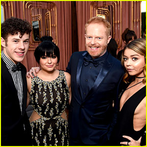'Modern Family' Cast Enjoys a Night Out at Critics' Choice Awards 2016