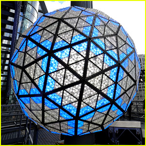 New Year's Eve Times Square Ball Drop 2017 - Live Stream Video!