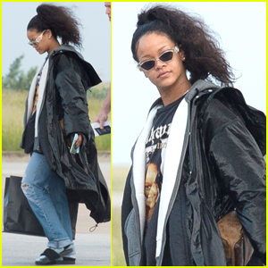 Rihanna Heads Home to Barbados For the Holidays!