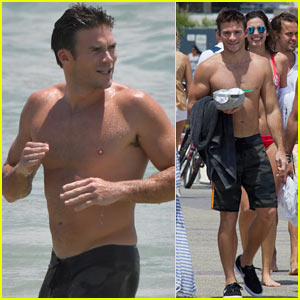 Scott Eastwood Goes Shirtless in Australia!