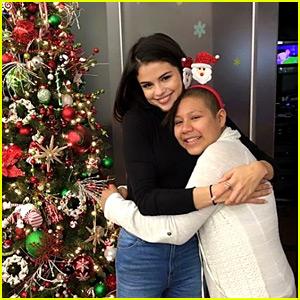 Selena Gomez Surprises Kids at Children's Hospital on Christmas Eve!