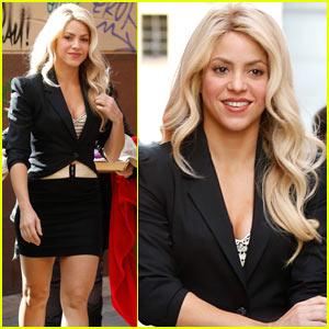 Shakira Celebrates 50 Million Views of Her New Music Video for 'Chantaje'!