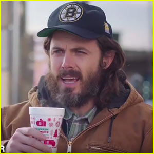 VIDEO: Casey Affleck is Dunkin Donuts Most Obnoxious Customer in 'SNL' Skit!