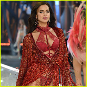 Pregnant celebrities victoria s secret victorias secret fashion show