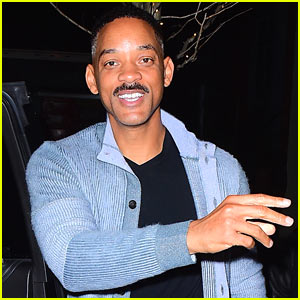 Will Smith Saves Fan's iPhone After it Falls Under His Car!