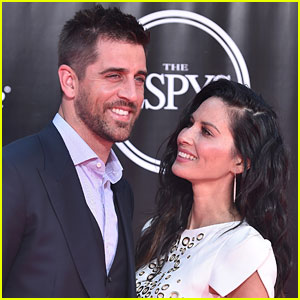Aaron Rodgers & Girlfriend Olivia Munn Are Such a Cute Couple!