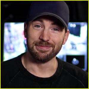 VIDEO: Chris Evans Surprises Fans with Special Escape Room!
