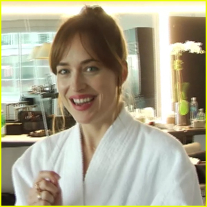 VIDEO: Dakota Johnson Trains to be a Supermodel Before Her 'Vogue' Shoot