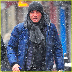 Daniel Craig Gets Caught in the New York City Snow Storm