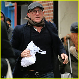 Daniel Craig Runs His Way to Work in NYC