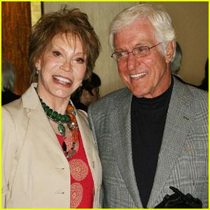 Dick Van Dyke Remembers Longtime Friend Mary Tyler Moore