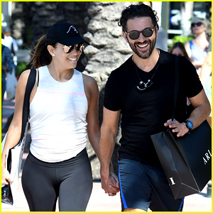 Eva Longoria & Jose Baston Hold Hands for Casual Stroll!