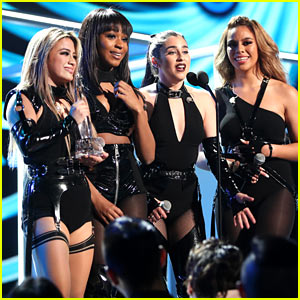 VIDEO: Fifth Harmony Performs Without Camila Cabello for the First Time at People's Choice Awards!