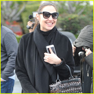 Gal Gadot Covers Up Her Baby Bump While Out to Lunch