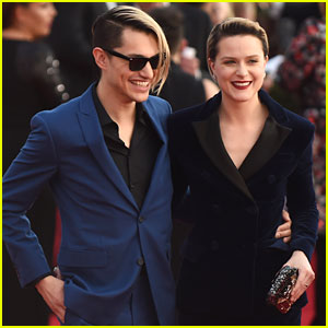 Are Evan Rachel Wood & Boyfriend Zach Villa Engaged?