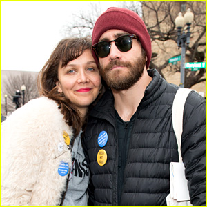 Jake Gyllenhaal Praises Women After Marching with His Sister Maggie!