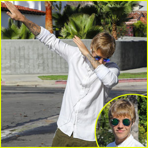Justin Bieber Casually Dabs in the Middle of the Street