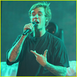 Justin Bieber Performs New Year's Eve 2017 Show in Miami!