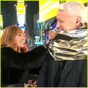 VIDEO: Kathy Griffin Wraps Anderson Cooper in Tin Foil During Their New Year's Eve Show!