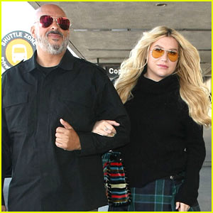 Kesha Shares a Cute Selfie From the Airport