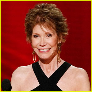 Mary Tyler Moore Has Been on a Respirator for Over a Week (Report)