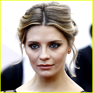 Mischa Barton Voluntarily Hospitalized for Mental Evaluation