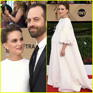 Pregnant Natalie Portman Looks So Elegant at SAG Awards 2017