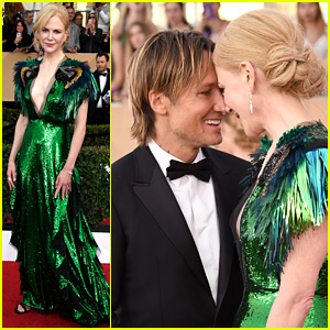 Nicole Kidman & Keith Urban Share Cute Red Carpet Moment at SAG Awards 2017!