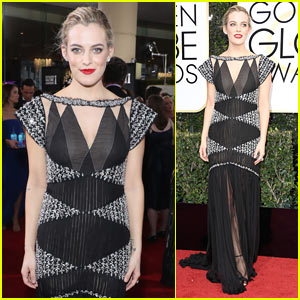 Riley Keough Goes Classic at the Golden Globes 2017