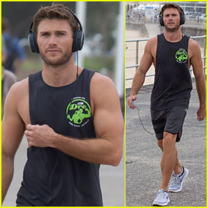 Scott Eastwood Had An Amazing Day Off in Australia