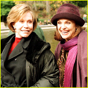 Valerie Harper Pays Tribute to the Late Mary Tyler Moore