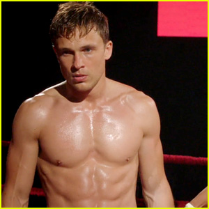 William Moseley Goes Shirtless for Hot Boxing Scene on 'The Royals'