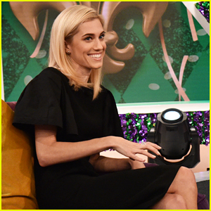 Allison Williams' Priority Is To Watch 'The Bachelor'!