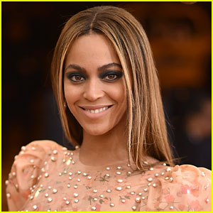 Beyonce Strips Down, Bares Baby Bump in Even More Pregnancy Photos!
