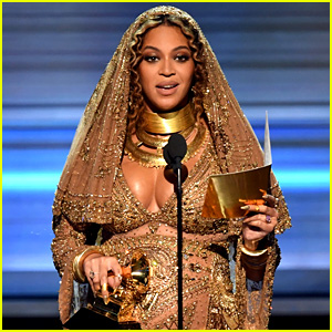 Beyonce Wins at Grammys 2017, Promotes Diversity in Acceptance Speech (Video)