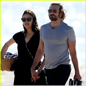 Bradley Cooper & Pregnant Irina Shayk Spend a Romantic Day at the Beach!