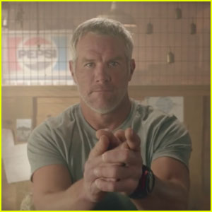 Buffalo Wild Wings Super Bowl Commercial 2017: Brett Farve Solves Crazy Conspiracy Theories