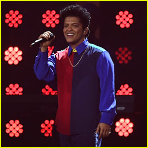 Bruno Mars Performs 'That's What I Like' at 2017 Brit Awards - Watch!