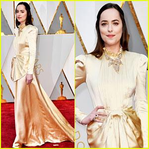 Dakota Johnson Goes Gold in Gucci for Oscars 2017!