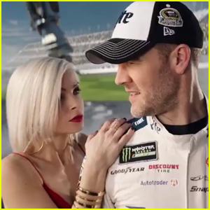 Daytona Day Super Bowl Commercial 2017 - James Van Der Beek Gets Ready for the Race