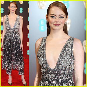 Emma Stone Stuns at BAFTAs 2017 Sans Ryan Gosling