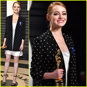 Emma Stone Wears ACLU Blue Ribbon to Vanity Fair Oscars Party 2017!
