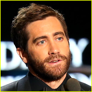 Jake Gyllenhaal Reveals How His 'Sunday' Video Was Filmed!