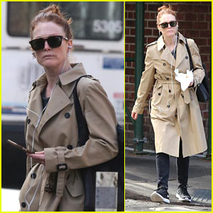 Julianne Moore Enjoys the Warm Weather in NYC