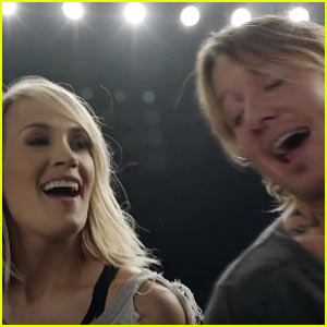 Carrie underwood keith urban perform 39 the fighter 39 at for Carrie underwood and keith urban duet