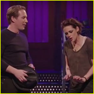 Watch 'SNL' Host Kristen Stewart Sing to Beck Bennett in New Promo Video