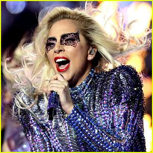 Lady Gaga to Replace Beyonce as Coachella 2017 Headliner!